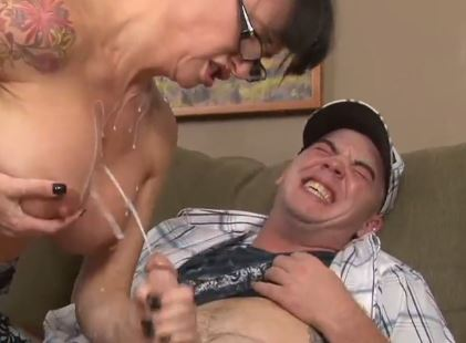hustler tv porno nuoren naisen pillu