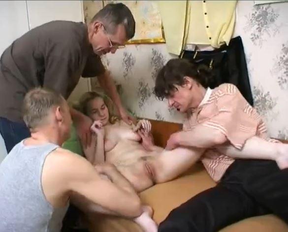 Бесплатное Русское Групповое Порно С Матом